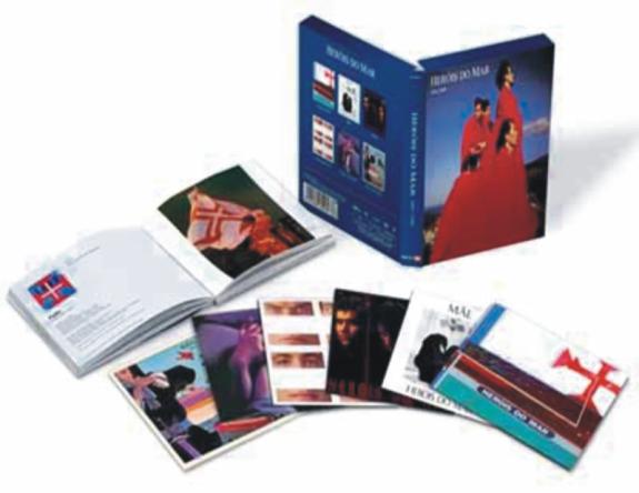 Caixa com 5 CDs + 1 DVD